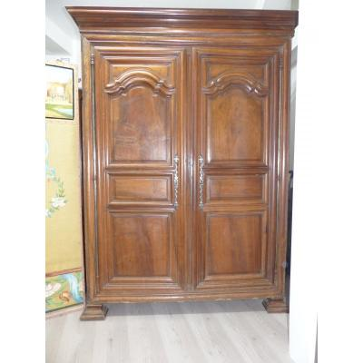 Wardrobe Louis XIV period late XVII th early XVIII th century solid walnut very beautiful patina. In its own juice