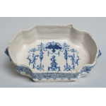 18e EEUW MOUSTIERS FAIENCE BASIN